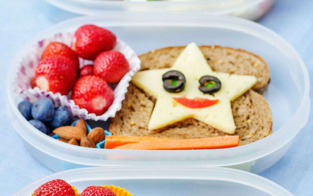 10 Easy Healthy Kid Snack Ideas for Road Trips